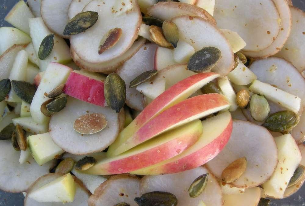 Jordskok-æblesalat – lækkert, hurtigt og nemt