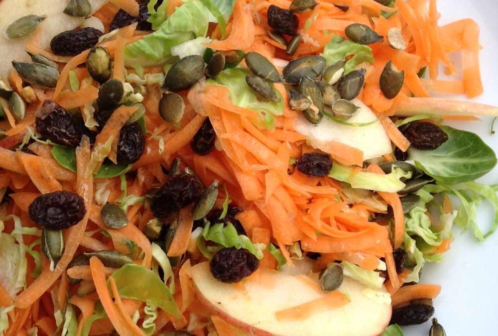 Gulerodssalat med rosenkål
