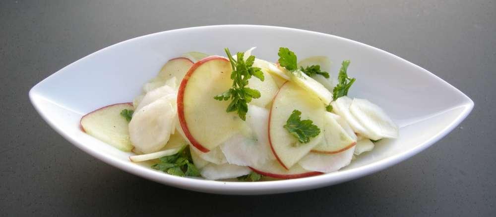 Jordskok-æblesalat – herlig, frisk og enkel