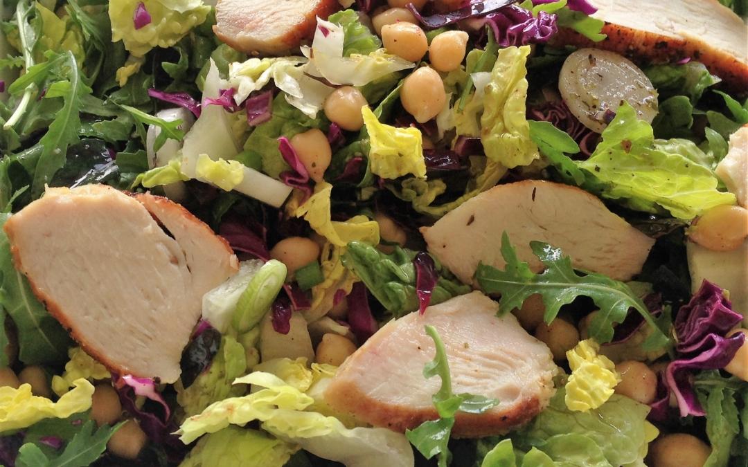 Salat med kylling og kikærter